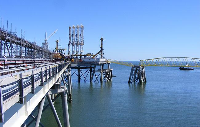 Installation d'équipement à Canaport LNG